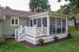 Custom deck with screen room by The Decksperts | Serving Northern CT, Suffield, CT, and Enfield, CT